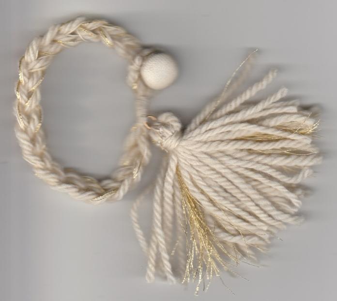chain-tassel-bracelet-gold